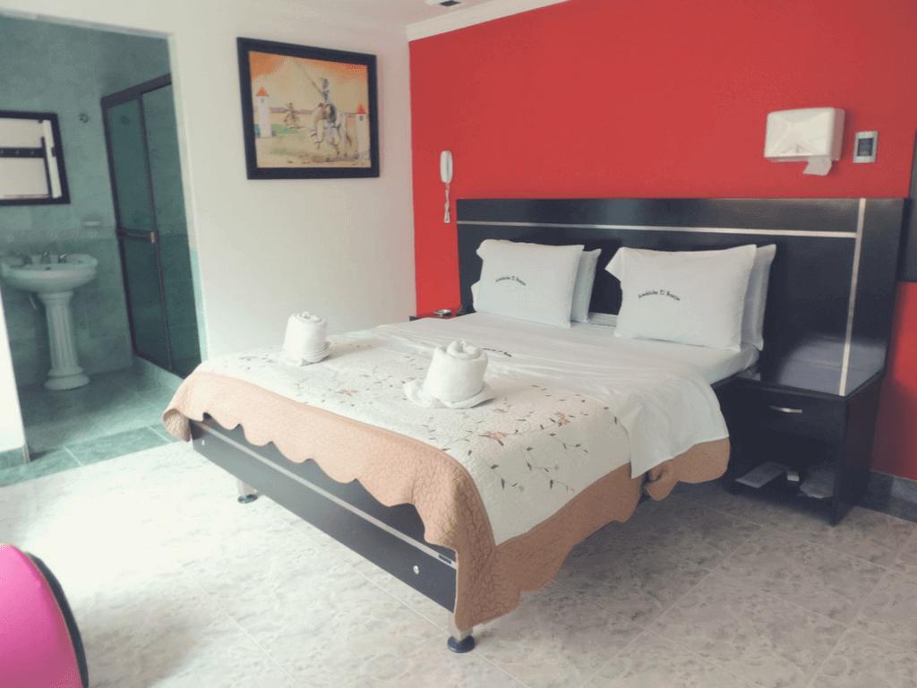 amoblados-el-bosque motel bogota jacuzzi decoracioN